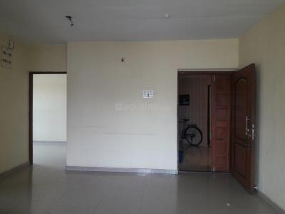 Gallery Cover Image of 1300 Sq.ft 3 BHK Apartment for rent in Kandivali East for 35000