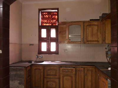 Gallery Cover Image of 550 Sq.ft 1 BHK Apartment for rent in Sector 13 Rohini for 13000