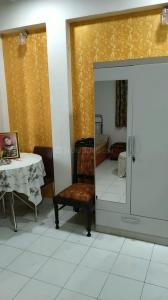 Gallery Cover Image of 250 Sq.ft 1 RK Apartment for rent in KGN Palace, Bandra West for 14000
