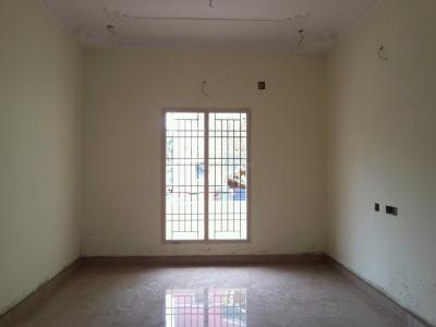 Gallery Cover Image of 1100 Sq.ft 3 BHK Apartment for buy in Kolathur for 6200000