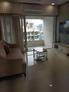 Gallery Cover Image of 1000 Sq.ft 2 BHK Apartment for rent in Town Ashtha Goregaon West, Goregaon West for 60000
