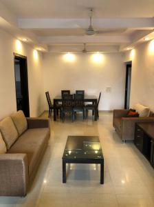 Gallery Cover Image of 1220 Sq.ft 2 BHK Apartment for rent in Ocean View, Khar West for 90000