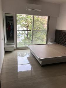 Gallery Cover Image of 1300 Sq.ft 3 BHK Apartment for rent in Andheri West for 100000