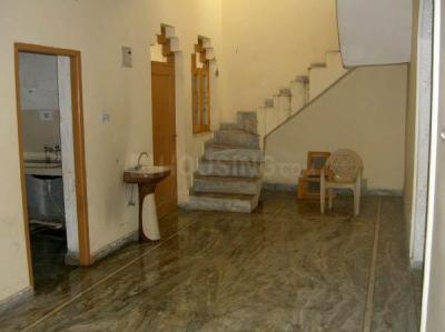 Gallery Cover Image of 700 Sq.ft 1 BHK Independent Floor for rent in Sector 7 for 8500