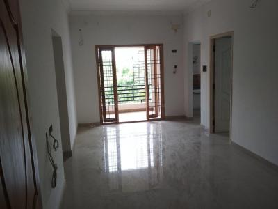Gallery Cover Image of 820 Sq.ft 2 BHK Apartment for buy in Kovilambakkam for 5200000