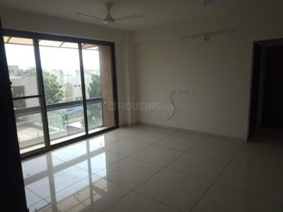 Gallery Cover Image of 1400 Sq.ft 3 BHK Apartment for rent in Mahavir Sai Status Tagore Residency, Paldi for 23000