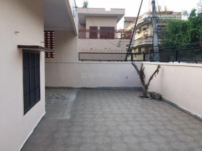 Gallery Cover Image of 1800 Sq.ft 2 BHK Independent House for rent in Model Town for 17000