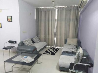 Gallery Cover Image of 1950 Sq.ft 3 BHK Apartment for rent in Thaltej for 30000