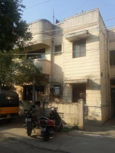 Gallery Cover Image of 1111 Sq.ft 2 BHK Apartment for rent in Valasaravakkam for 14000