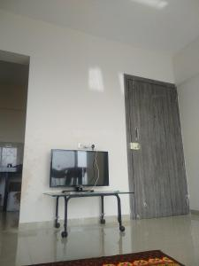 Gallery Cover Image of 532 Sq.ft 1 BHK Apartment for rent in Shirgaon for 6000