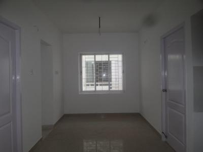 Gallery Cover Image of 690 Sq.ft 2 BHK Apartment for buy in Avadi for 2700000