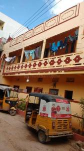 Gallery Cover Image of 1700 Sq.ft 2 BHK Independent House for buy in Quthbullapur for 6500000