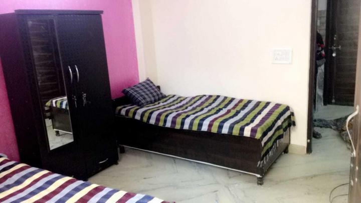 Bedroom Image of Royal Girls PG in Laxmi Nagar