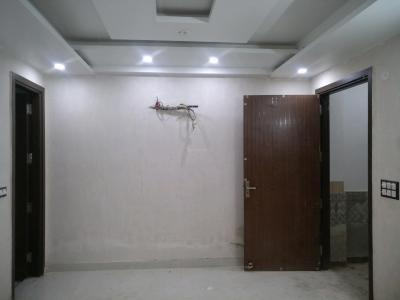 Gallery Cover Image of 650 Sq.ft 2 BHK Apartment for buy in Mahavir Enclave for 3800000