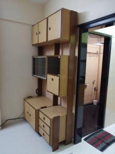 Gallery Cover Image of 320 Sq.ft 1 RK Apartment for rent in Prabhadevi for 25000