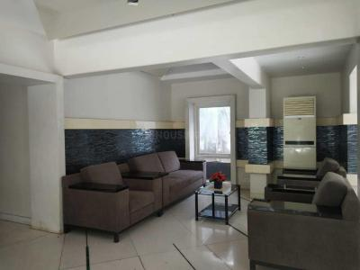 Gallery Cover Image of 1000 Sq.ft 2 BHK Apartment for rent in Khar West for 120000