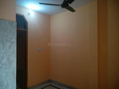 Gallery Cover Image of 730 Sq.ft 2 BHK Independent Floor for rent in Manglapuri for 10000
