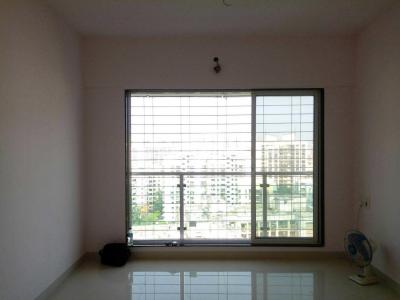 Gallery Cover Image of 675 Sq.ft 2 BHK Apartment for rent in Kandivali West for 26000