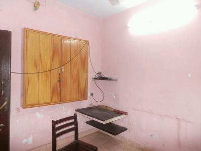 Gallery Cover Image of 403 Sq.ft 1 BHK Independent Floor for buy in Vadapalani for 2600000