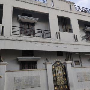 Gallery Cover Image of 4200 Sq.ft 4 BHK Independent Floor for rent in Bandlaguda Jagir for 60000