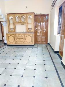 Gallery Cover Image of 1300 Sq.ft 2 BHK Independent House for rent in Karwan for 9000