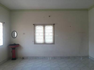 Gallery Cover Image of 1000 Sq.ft 2 BHK Independent House for rent in Kolapakkam for 12000