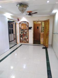 Gallery Cover Image of 970 Sq.ft 2 BHK Apartment for rent in Malad East for 41000