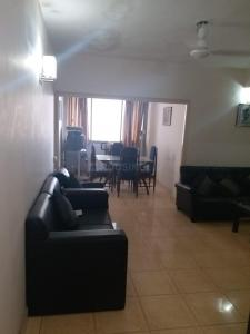 Gallery Cover Image of 1143 Sq.ft 2 BHK Apartment for rent in Bodakdev for 24000