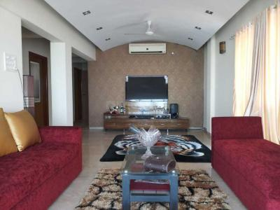 Gallery Cover Image of 1600 Sq.ft 3 BHK Apartment for buy in Bandra West for 110000000