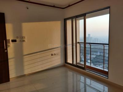 Gallery Cover Image of 983 Sq.ft 2 BHK Apartment for buy in Thane West for 9500000