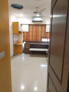 Gallery Cover Image of 1800 Sq.ft 3 BHK Apartment for rent in Andheri West for 135000