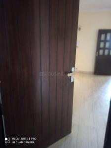 Gallery Cover Image of 1700 Sq.ft 3 BHK Apartment for rent in Meera Bai Apartments, Sector 5 Dwarka for 28000