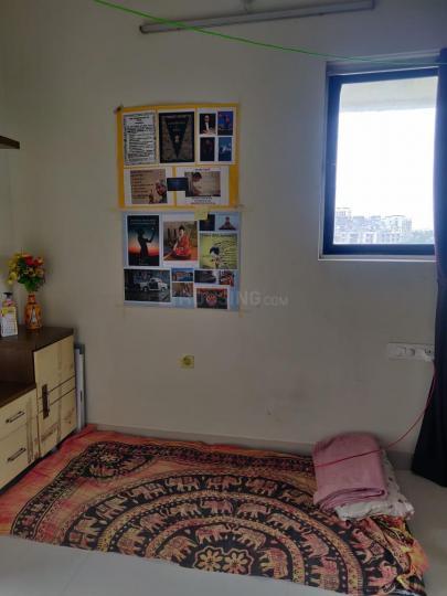 Bedroom Image of PG For Girls in Kandivali West