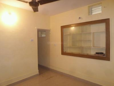 Gallery Cover Image of 650 Sq.ft 2 BHK Apartment for rent in Rajajinagar for 10000