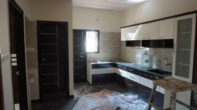 Gallery Cover Image of 1000 Sq.ft 2 BHK Independent House for rent in Rajajinagar for 25000