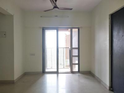 Gallery Cover Image of 720 Sq.ft 2 BHK Apartment for rent in Thane West for 23000