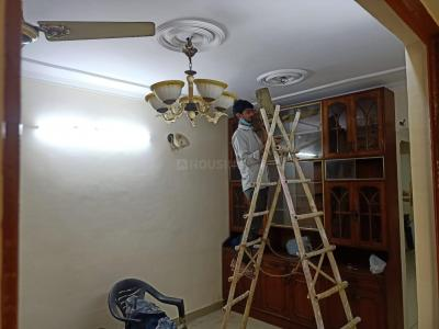 Gallery Cover Image of 1100 Sq.ft 2 BHK Apartment for rent in Dhawalgiri Apartment, Sector 56 for 15000