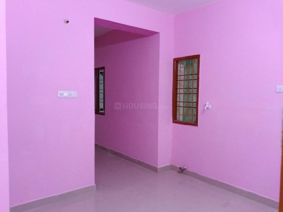 Living Room Image of 900 Sq.ft 2 BHK Independent Floor for rent in Porur for 11000