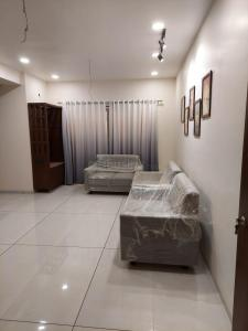 Gallery Cover Image of 1980 Sq.ft 3 BHK Apartment for buy in Manjalpur for 7000000