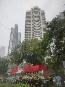 Gallery Cover Image of 2100 Sq.ft 3 BHK Apartment for buy in Lokhandwala Zahra, Worli for 52500000