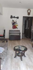 Gallery Cover Image of 800 Sq.ft 2 BHK Apartment for rent in Vile Parle East for 65000