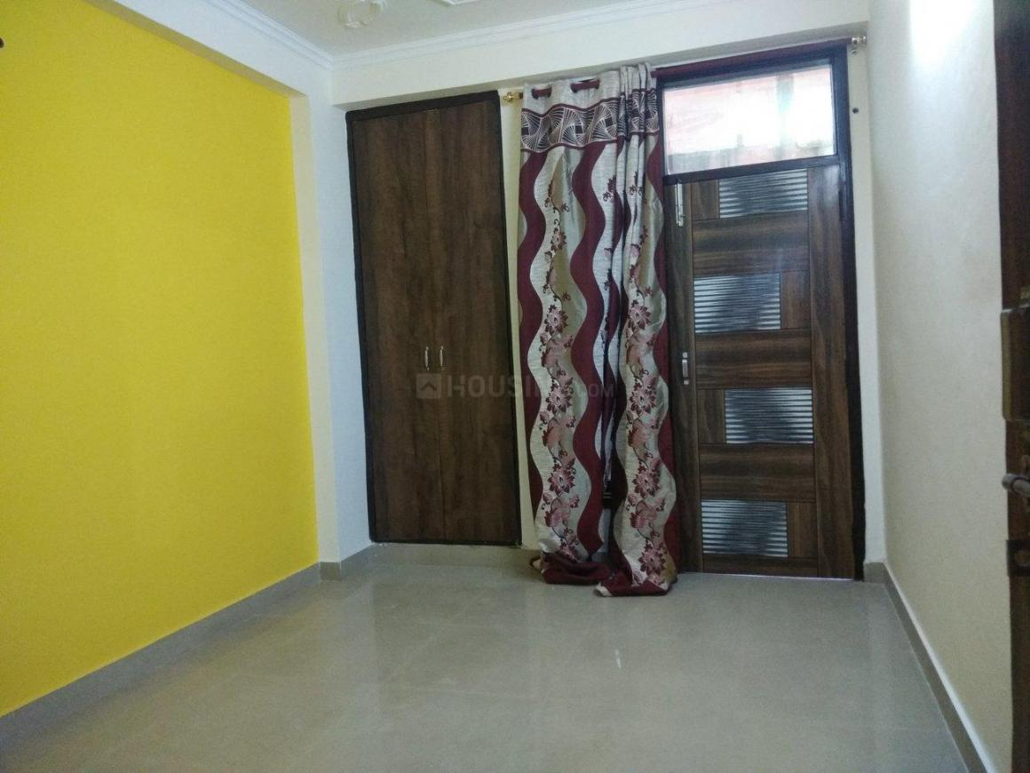 Bedroom Image of 850 Sq.ft 2 BHK Independent Floor for buy in Chhattarpur for 2600000