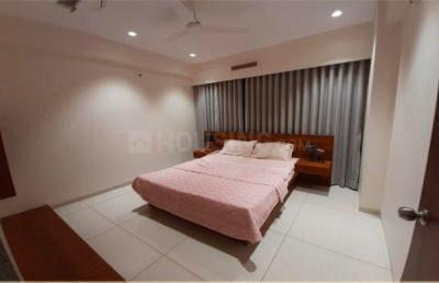 Gallery Cover Image of 1240 Sq.ft 3 BHK Apartment for buy in Bhayli for 6272000
