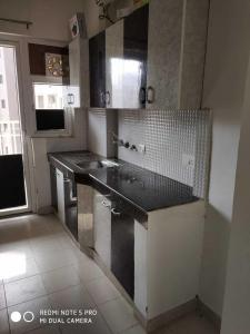 Gallery Cover Image of 1931 Sq.ft 3 BHK Apartment for rent in Sector 86 for 25000