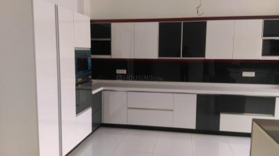 Gallery Cover Image of 9000 Sq.ft 5+ BHK Independent House for rent in Sat Bari for 300000