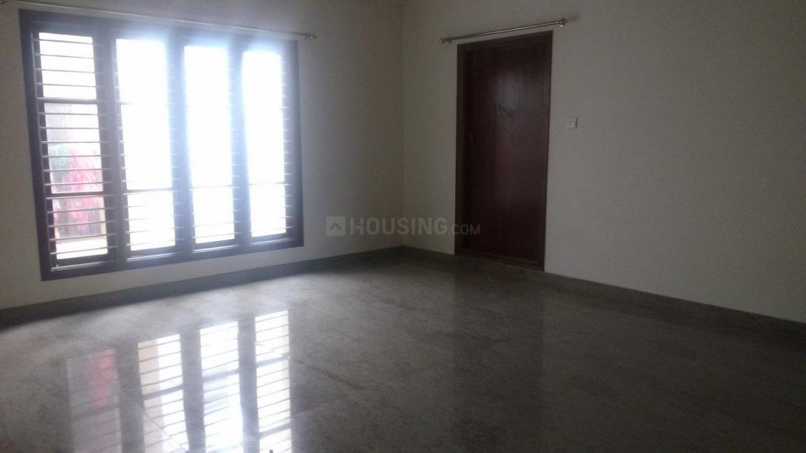 Living Room Image of 2000 Sq.ft 3 BHK Apartment for rent in J. P. Nagar for 35000