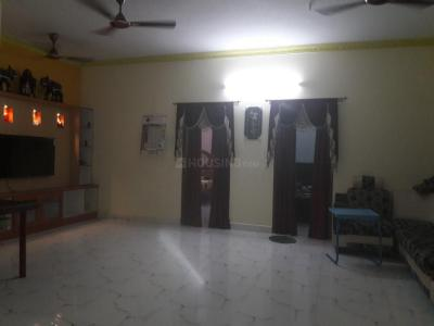Gallery Cover Image of 1800 Sq.ft 3 BHK Apartment for rent in Thiruvanmiyur for 32000