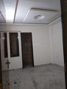 Gallery Cover Image of 1100 Sq.ft 3 BHK Independent Floor for rent in Azadpur for 19000