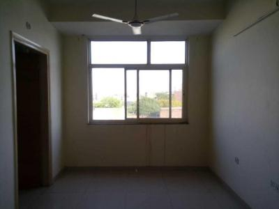 Gallery Cover Image of 850 Sq.ft 2 BHK Apartment for rent in Sai Kunj Apartment, Chandra Park for 16000