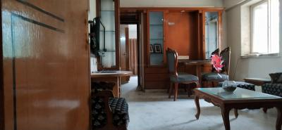 Gallery Cover Image of 840 Sq.ft 2 BHK Apartment for buy in Andheri East for 17000000